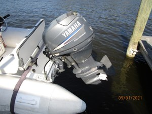 MoWhisky 34 33_2782602_43_mainship_tender_outboard