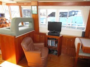 MoWhisky 38 37_2782602_43_mainship_salon_starboard