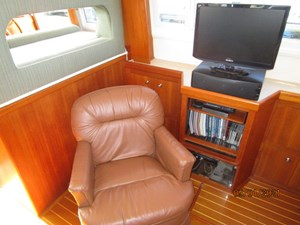 MoWhisky 41 40_2782602_43_mainship_salon_starboard_lounge_chair