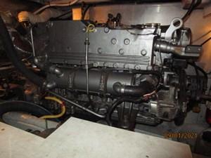 MoWhisky 61 60_2782602_43_mainship_port_main_engine