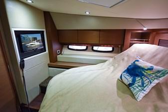 Hy-Yacht  37 DSC_5933-Edit