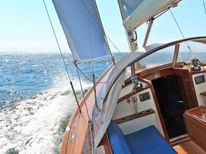 SOLITUDE 22 Leeward side under sail