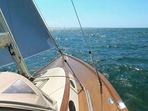 SOLITUDE 21 Looking forward under sail