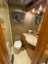 EQUINOX 19 VIP Bath