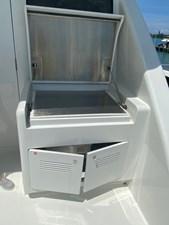 EQUINOX 30 Upper Deck