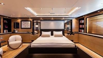 EIGHT 7 EIGHT 2005 CRN  Motor Yacht Yacht MLS #273381 7