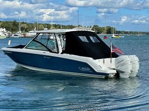 No Name 1 No Name 2019 BOSTON WHALER 320 Vantage Cruising Yacht Yacht MLS #273405 1