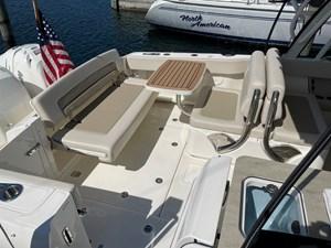 No Name 6 No Name 2019 BOSTON WHALER 320 Vantage Cruising Yacht Yacht MLS #273405 6