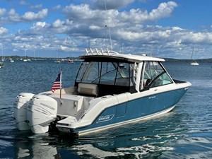 No Name 2 No Name 2019 BOSTON WHALER 320 Vantage Cruising Yacht Yacht MLS #273405 2