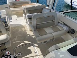 No Name 7 No Name 2019 BOSTON WHALER 320 Vantage Cruising Yacht Yacht MLS #273405 7