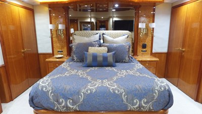 LIFE'S A JOURNEY 42 Master Stateroom