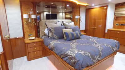 LIFE'S A JOURNEY 43 Master Stateroom