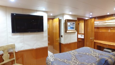 LIFE'S A JOURNEY 45 Master Stateroom