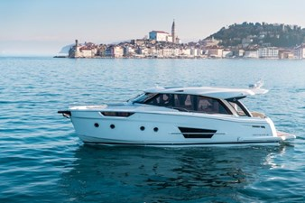 2023 Greenline 45 Coupe 3 2023 Greenline 45 Coupe 2023 GREENLINE 45 Coupe Trawler Yacht Yacht MLS #273444 3