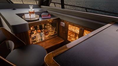 645 SUV world premiere 6 Riviera-645-SUV-Wet-Bar-01