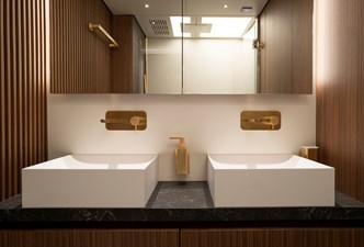 CeFeA 14 Guest aft bathroom-Guillaume Plisson for Solaris-1010796
