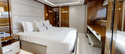 ALADDIN 78 Sunseeker-131-Aladdin-Starboard-VIP-Cabin-4