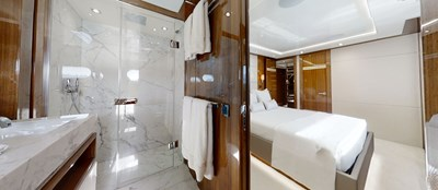 ALADDIN 79 Sunseeker-131-Aladdin-Starboard-VIP-Cabin-En-Suite-2