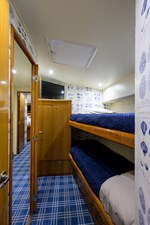 WAGS 57 65_viking_no_name_2000_guest_stateroom_2