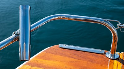 SCOUT 17 Rod Holder