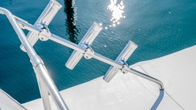 SCOUT 23 Rod Holders