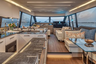 2021 Prestige Yachts 690 Flybridge 10