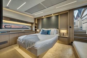 2021 Prestige Yachts 690 Flybridge 16
