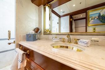 WHITE STAR 18 25 - blue bathroom