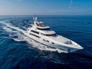 WHITE STAR 28 44 - Running starboard