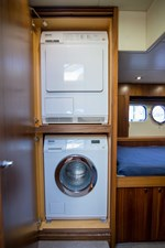 Drift 36 Starboard Guest Stateroom/Laundry