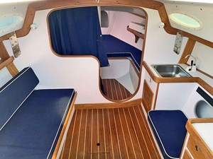PANACHE 8 Main Cabin, Forward