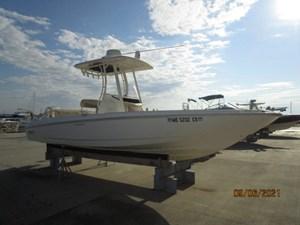 No Name 3 2_2782552_24_boston_whaler_starboard_forward_profile