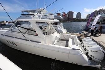 - 3 4_2019 47ft Intrepid 475 Sport Yacht