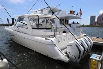 - 4 5_2019 47ft Intrepid 475 Sport Yacht
