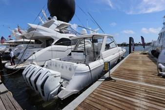 - 6 7_2019 47ft Intrepid 475 Sport Yacht
