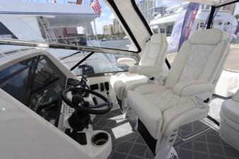 - 26 27_2019 47ft Intrepid 475 Sport Yacht