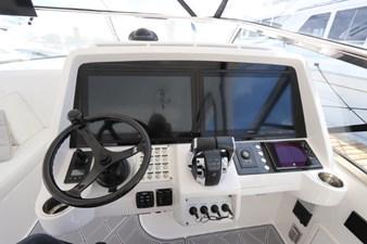 - 28 29_2019 47ft Intrepid 475 Sport Yacht