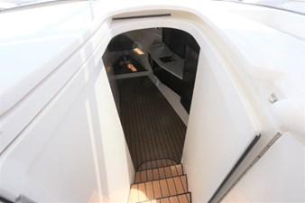 - 31 32_2019 47ft Intrepid 475 Sport Yacht