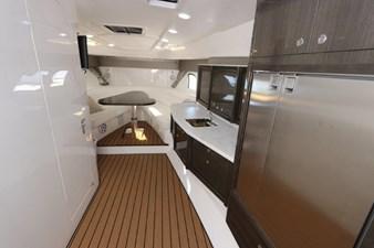 - 33 34_2019 47ft Intrepid 475 Sport Yacht