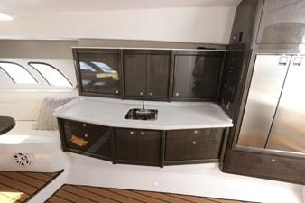 - 34 35_2019 47ft Intrepid 475 Sport Yacht