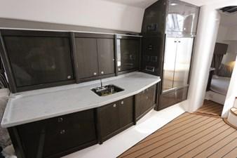 - 35 36_2019 47ft Intrepid 475 Sport Yacht