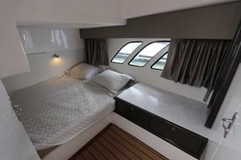 - 41 42_2019 47ft Intrepid 475 Sport Yacht