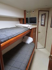 EQUITY VIII 24 Starboard Side Cabin