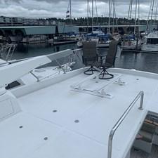 MidKnight 20 012 - Boat Deck