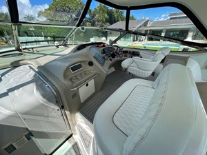 Dock Holiday 5 Dock Holiday 1999 SEA RAY 540 Sundancer Cruising Yacht Yacht MLS #273691 5