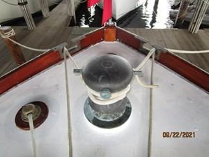 Cygnus II 9 8_2783040_cygnus_ii_anchor_windlass