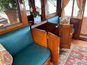 Cygnus II 38 37_2783040_cygnus_ii_pilothouse_aft_seating