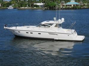 ARIA JAYE 2 ARIA JAYE 2000 TIARA 5200 Express - 3 Stateroom Cruising Yacht Yacht MLS #273749 2