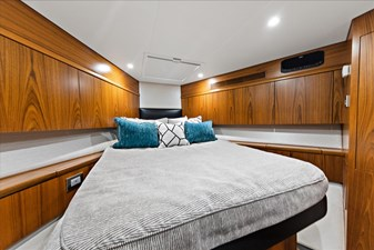 Stresproof 25 Bow VIP Stateroom 1
