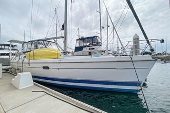 SECOND WIND 1 SECOND WIND 2000 HUNTER MARINE Center Cockpit Center Cockpit Yacht MLS #273778 1